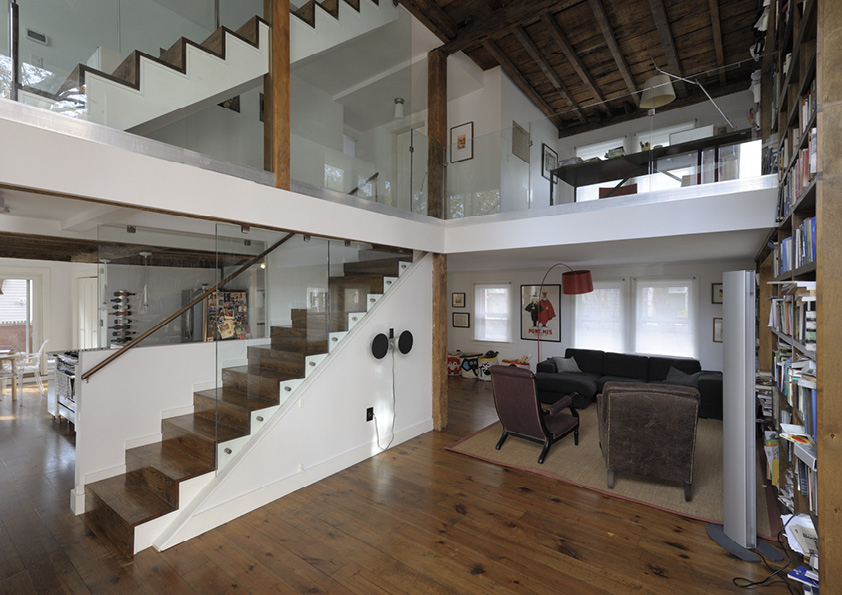 DAR_Architettura -Urban-House-with-Big-Window_1