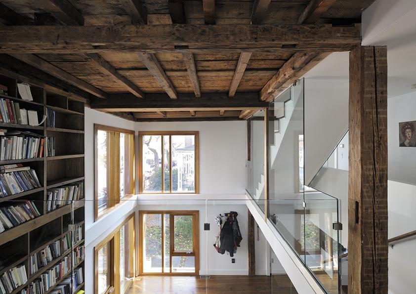 DAR_Architettura -Urban-House-with-Big-Window_13