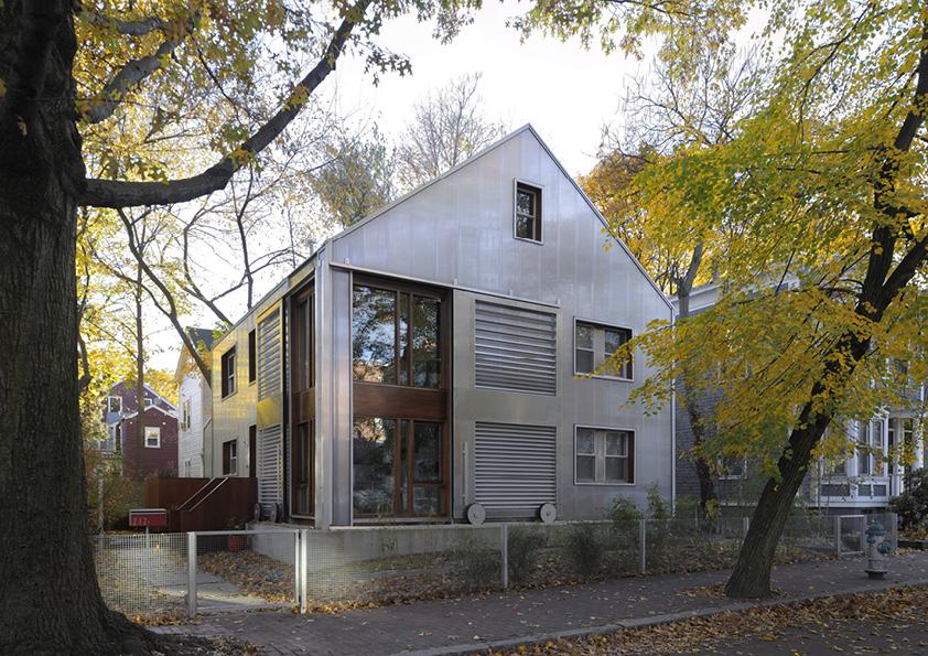 DAR_Architettura -Urban-House-with-Big-Window_4