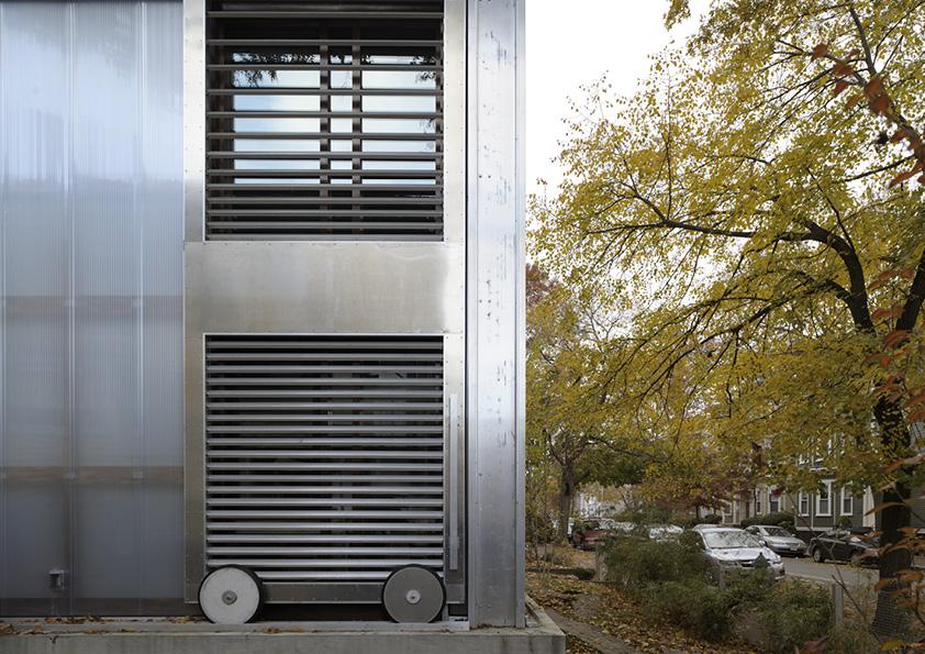 DAR_Architettura -Urban-House-with-Big-Window_6